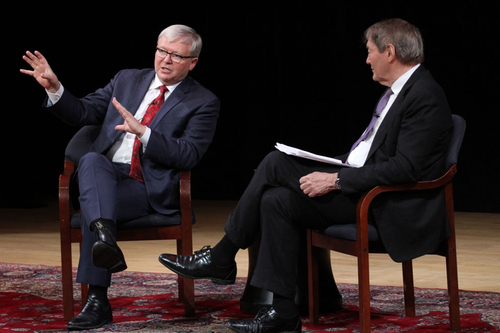 Kevin Rudd (L) and Charlie Rose onstage at Asia Society New York on February 17, 2015. (Ellen Wallop/Asia Society)