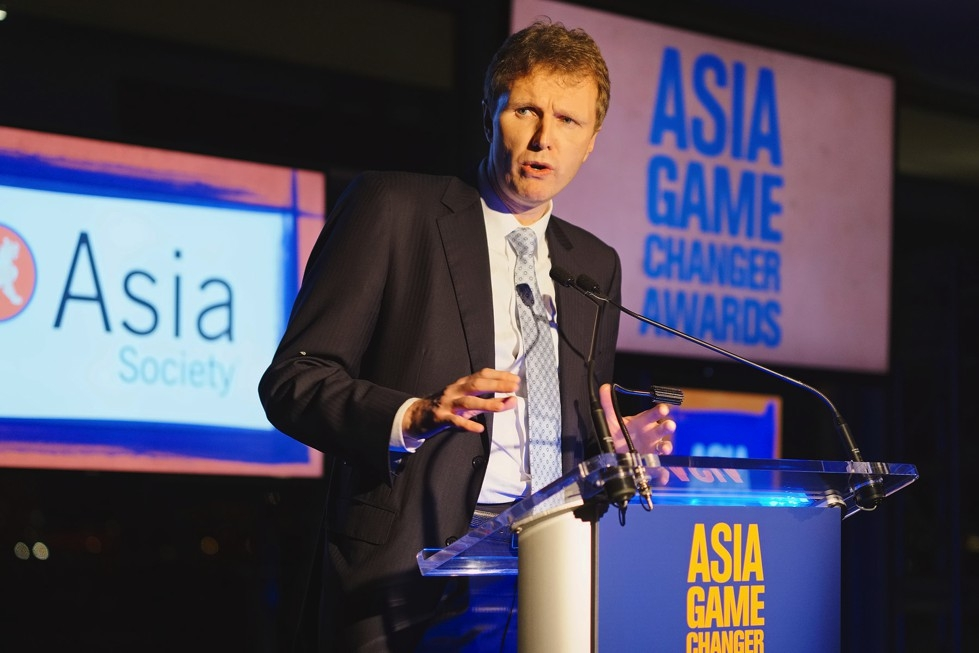 Asia Society Trustee Stephen Bird speaks at the 2015 Asia Game Changers award ceremony on October 13. (Jamie Watts/Asia Society)
