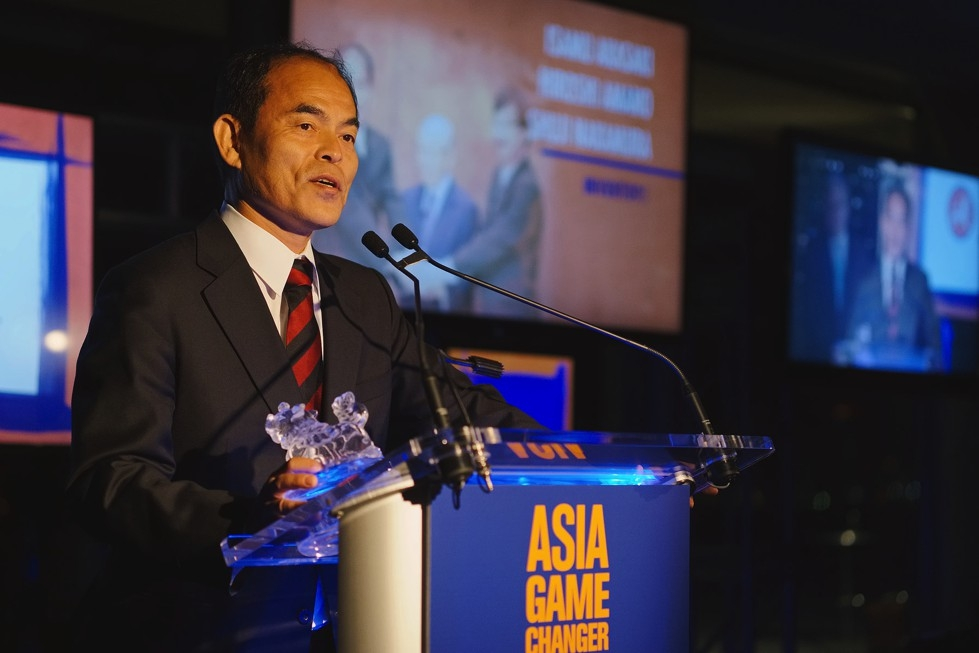 LED light scientist Shuji Nakamura speaks after receiving an Asia Game Changer award on October 13, 2015. (Jamie Watts/Asia Society)