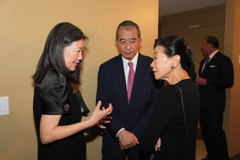 (L to R) Anne Chao, Albert Chao, and Lulu Wang at the 2015 Asia Game Changers award ceremony on October 13, 2015. (Ellen Wallop/Asia Society)