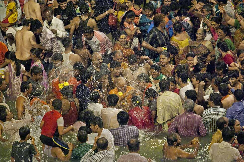 Hindu devotees worship during the second 'Shahi Snan' (grand bath). (Allison Joyce/Getty Images)