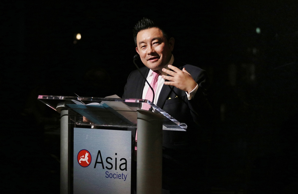Boon Hui Tan, Asia Society Museum Director and Vice President for Arts & Cultural Programs, welcomes audiences to Asia Society New York on March 6, 2017. (Ellen Wallop/Asia Society)