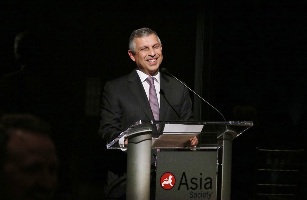 "Ambassador Ashok Kumar Mirpuri gives remarks during the dinner celebrating ""Secrets of the Sea: A Tang Shipwreck and Early Trade in Asia"" in New York on March 6, 2017. (Ellen Wallop/Asia Society)"