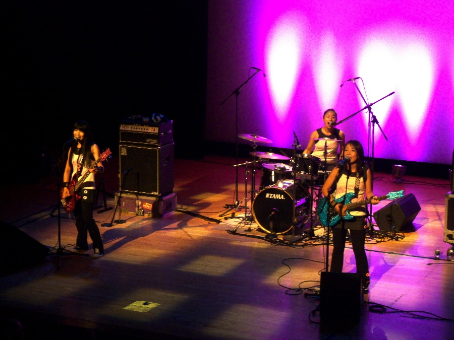 Highlights from Shonen Knife's concert at Asia Society New York on Sept. 25, 2010. (2 min., 35 sec.)(Photo: La Frances Hui/Asia Society)