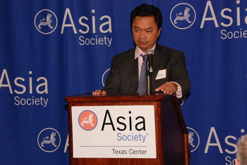 In Houston on Dec. 17, Indonesian Ambassador Dr. Dino Patti Djalal addressed the primacy of dimplomacy and soft power in his nation's foreign and domestic policy. (ASTC)