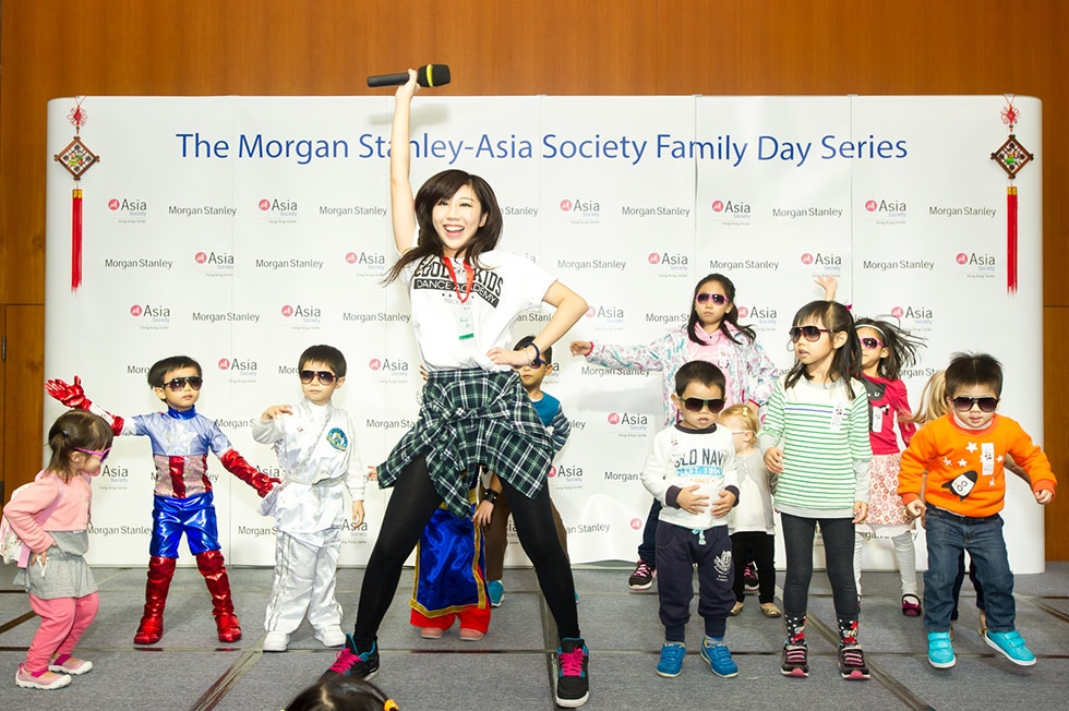 Children get a lesson in K-Pop dancing at Asia Society Hong Kong's Korea Family Day on November 9, 2014. (Asia Society)