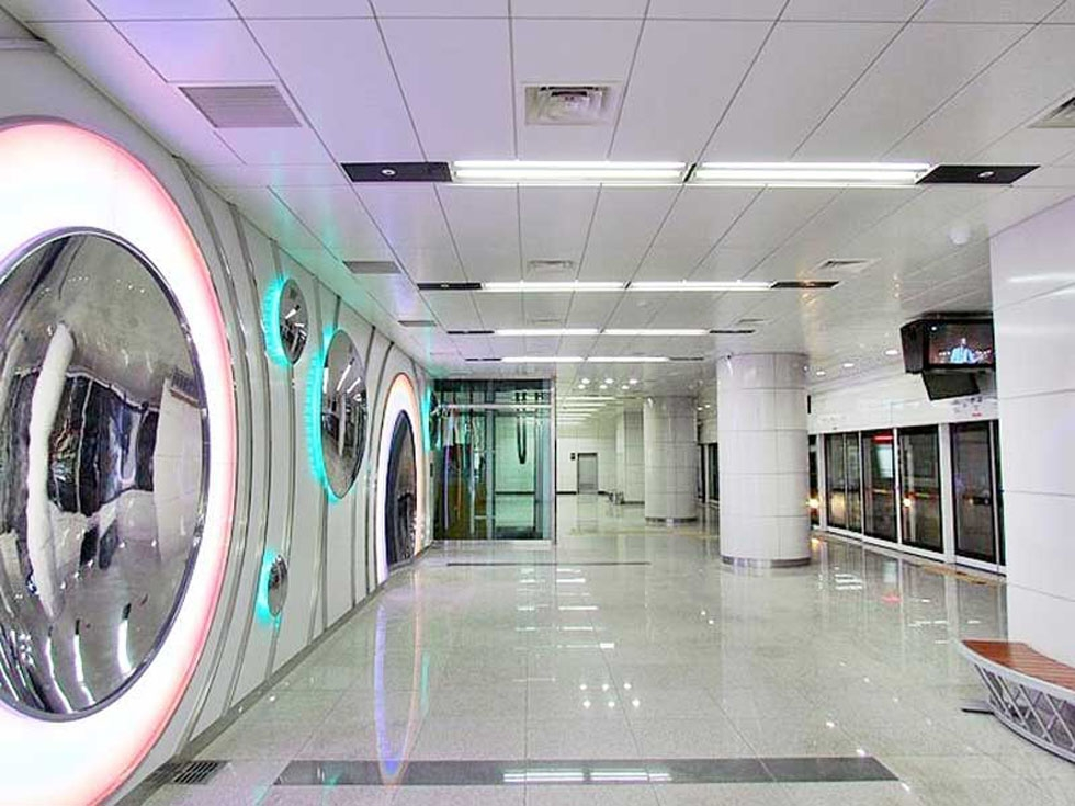 Seoul's metro system includes WiFi, cellphone service, and heated seats in the winter. Shown here is the immaculate Pangyo Station. (Wikipedia)