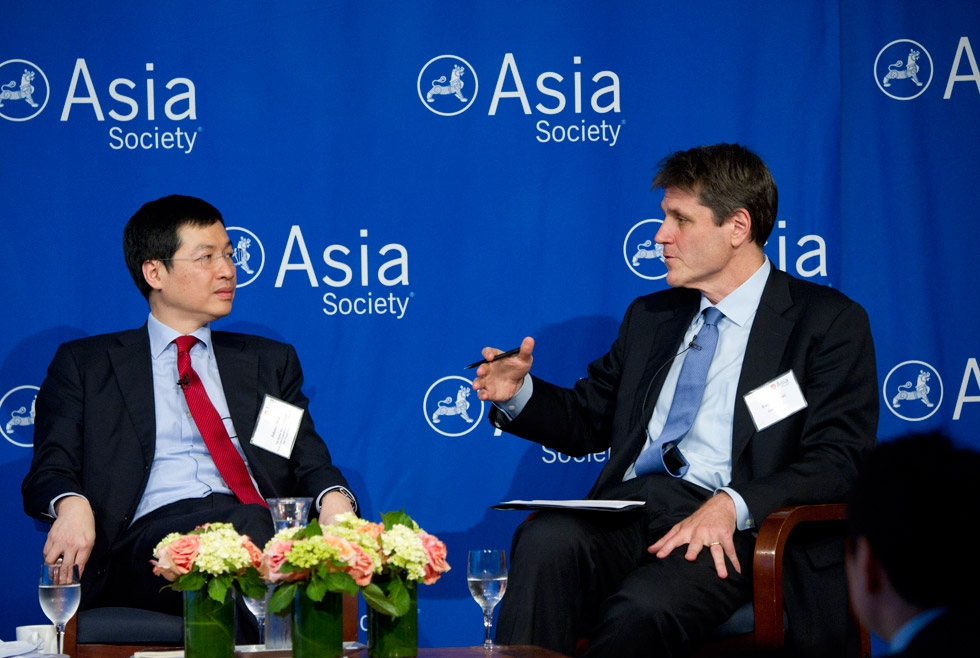 Asia Society Executive Vice President Tom Nagorski (R) converses with Hong Kong SAR Senior Counsel Johnny Mok (L), at Asia Society New York on June 27, 2014. (Elena Olivo/Asia Society)