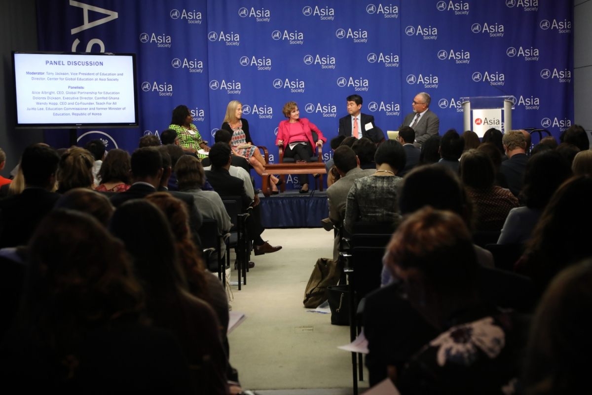 A panel of educators discusses a global ecosystem approach to education at the Asia Society in New York on September 18, 2017. (Ellen Wallop/Asia Society)