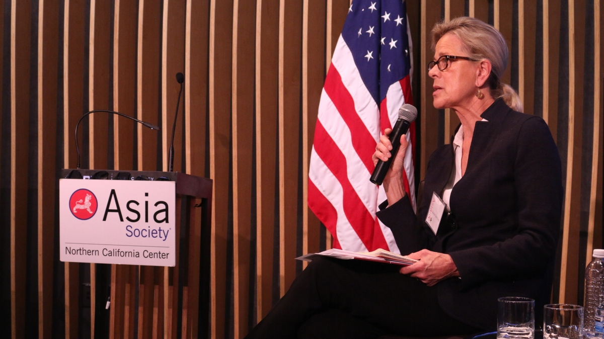 Marsha Vande Berg delivering her thoughts on corporate governance. (Kevin Kunze/Asia Society)