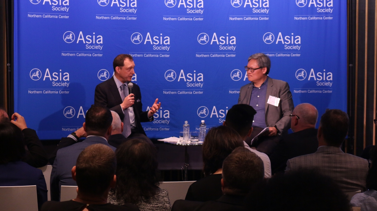 Daniel H. Rosen and Victor Shih discuss the SOE report. (Kevin Kunze/Asia Society)