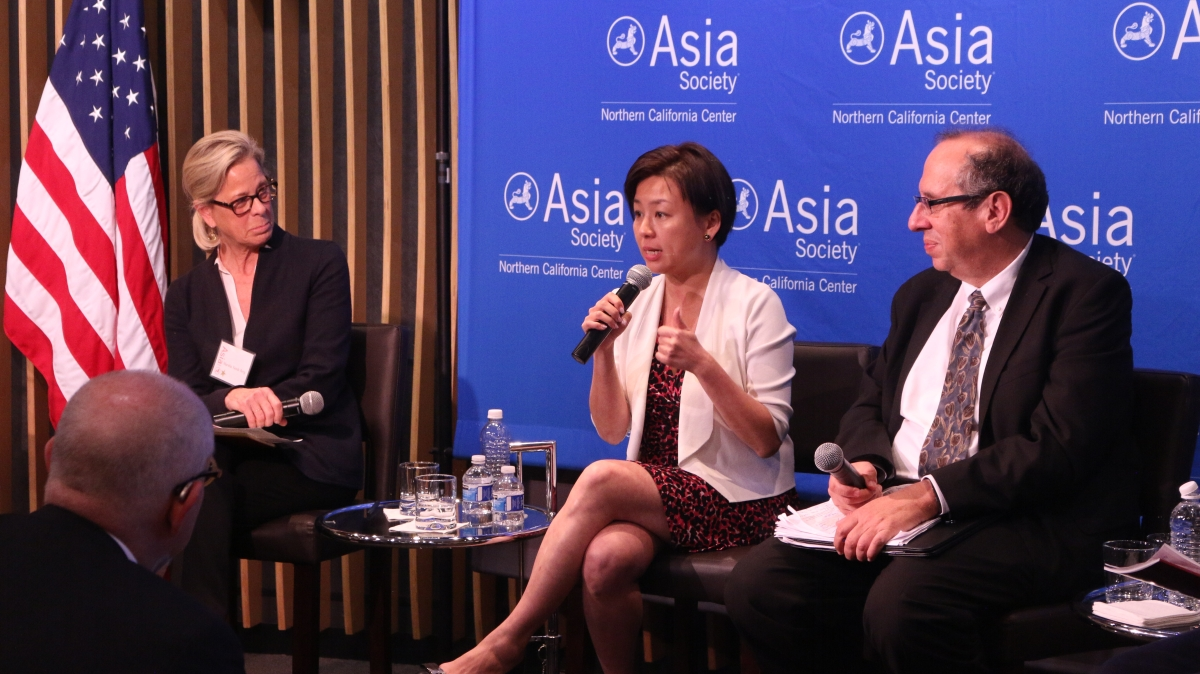 Marsha Vande Berg, Edith Yeung, and Mark Cohen discuss the SOE report. (Kevin Kunze/Asia Society)