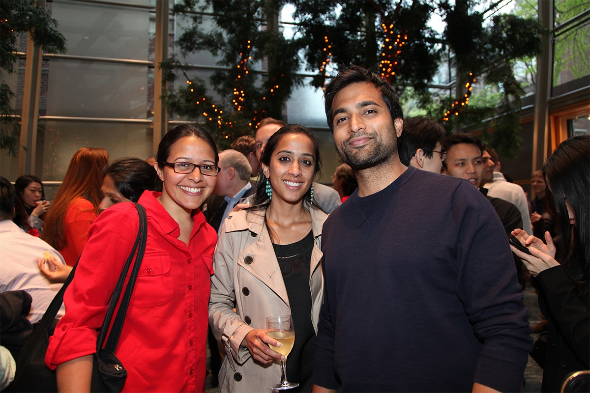 Friends at Asia Society's Leo Bar (Ellen Wallop/Asia Society.)
