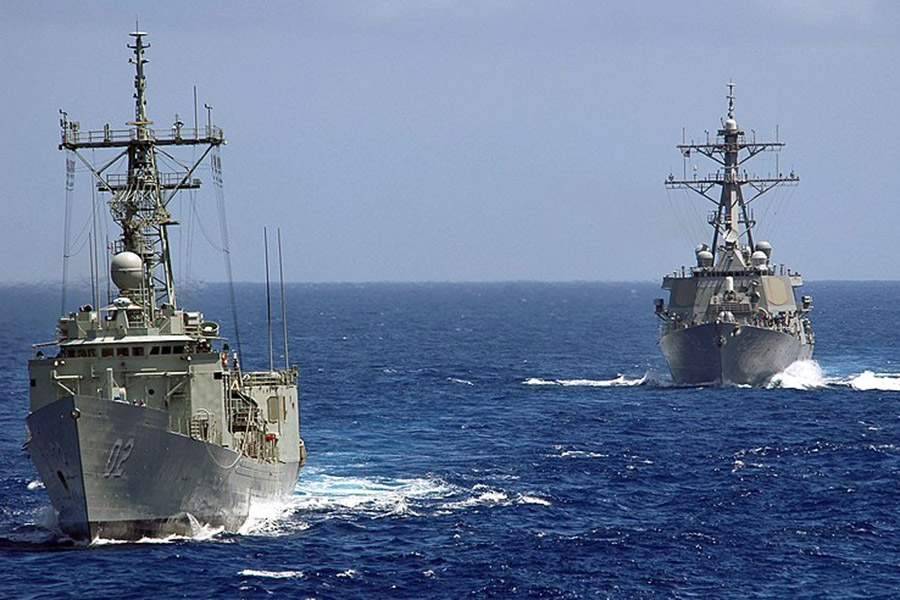 HMAS Canberra and USS Fitzgerald - Wikimedia