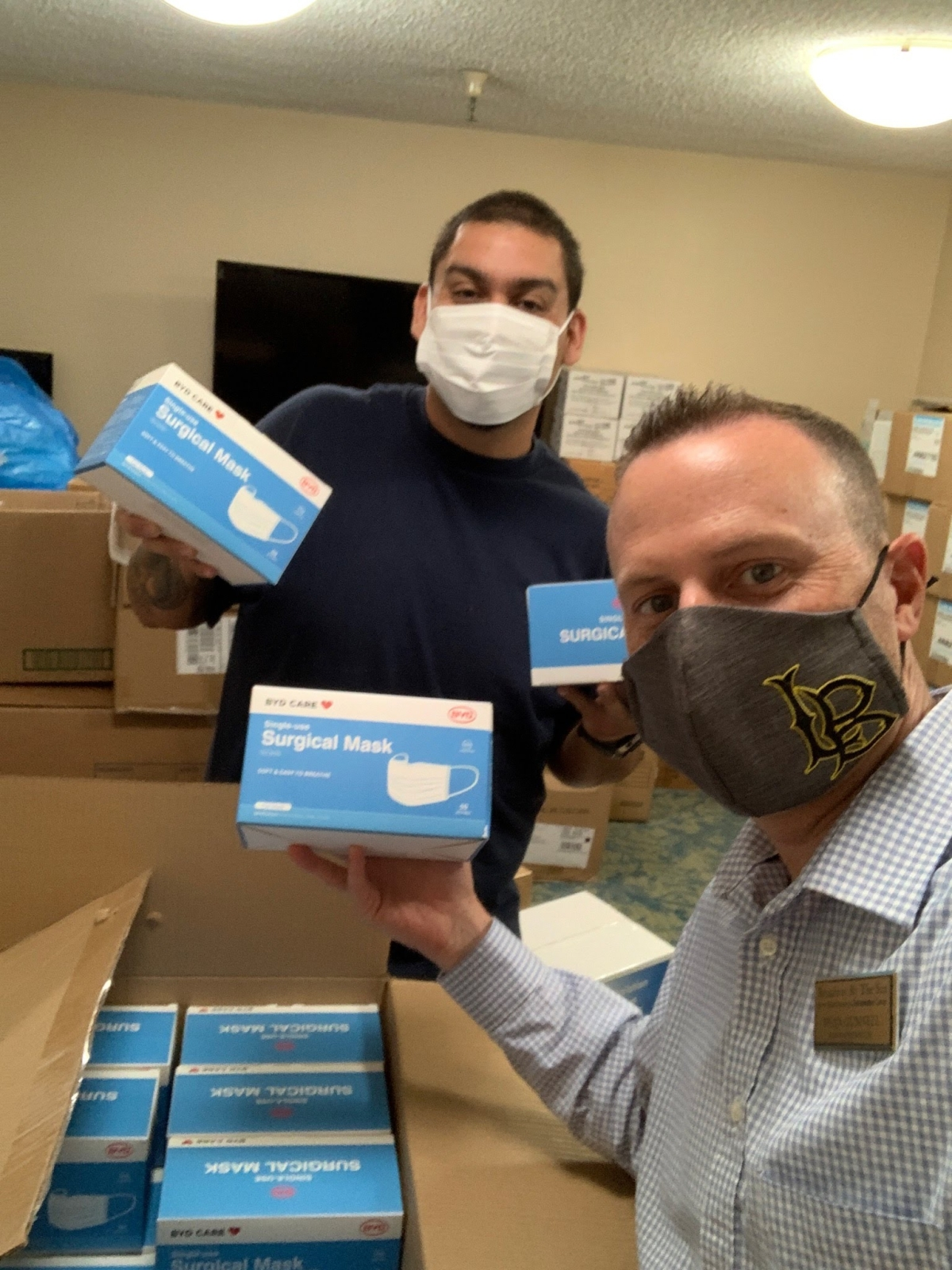Broadway By the Sea in Long Beach receives mask donation made by Tzi Ma