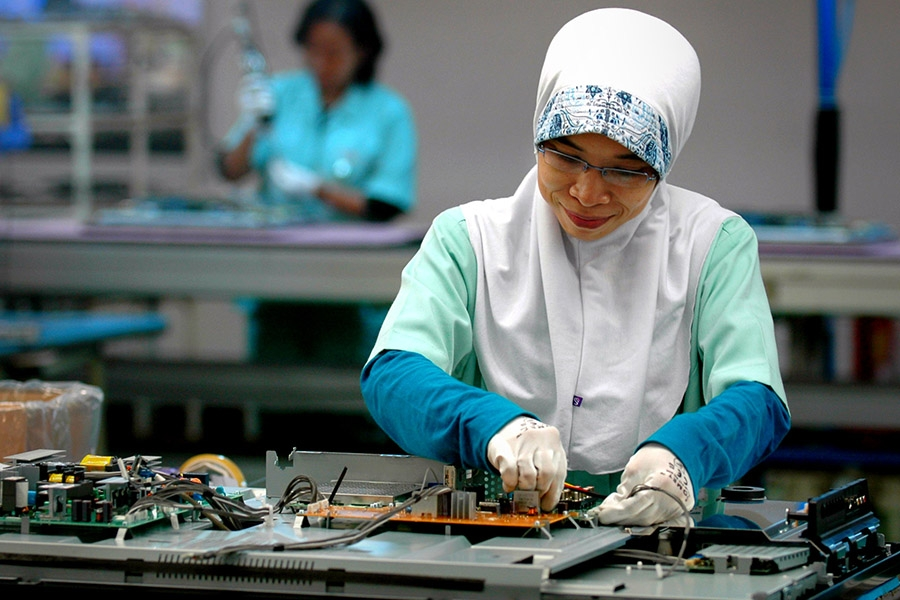 Looking Ahead Wilson - Electronic Factory Indonesia - International labor Org - Flickr