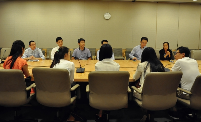 A meeting at the headquarters of the International Monetary Fund brings the Young Scholars together with economists at the World Bank and the IMF. (Zhangbolong Liu & Zhu Xi/Washington D.C.)