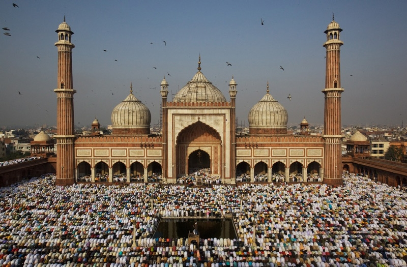 Indian Muslims pray during Eid-ul-Fitr prayers at the Jama Masjid in 2009 in New Delhi. (Daniel Berehulak/Getty Images)