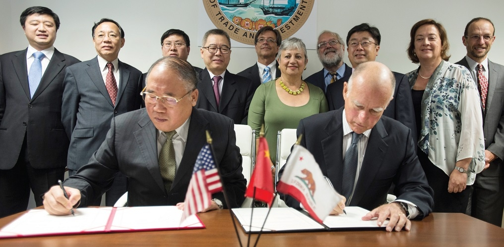 China's climate negotiator Xie Zhenhua and CA Governor Jerry Brown (Courtesy of Brad Adams)