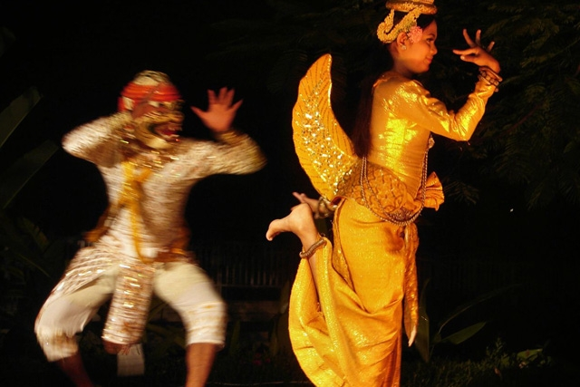 "Traditional Cambodian ""Golden Mermaid"" Dance (Photo by Shifted Librarian/flickr)"