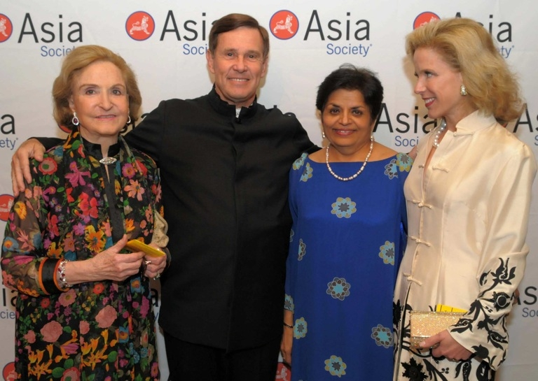 L to R: Guest, Asia Society Trustee John Foster, Vishakha Desai, and Stephanie Foster. (Elsa Ruiz/Asia Society)