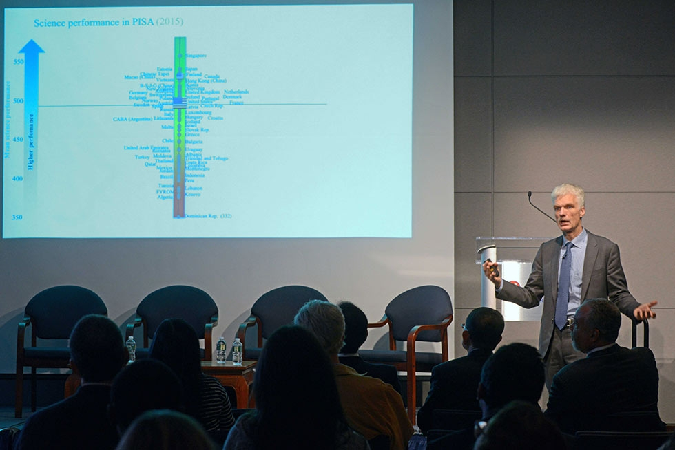 Andreas Schleicher presents on the 2015 PISA results. (Elsa Ruiz/Asia Society)