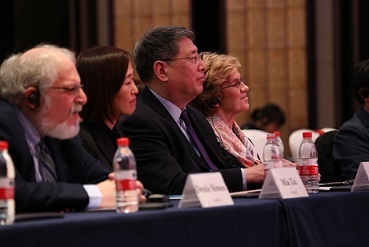 (L to R): Panelists Executive Vice President of Duke Kunshan University Denis Simon, Princeton Quantitative Research Founder Mia Tai, NYU Shanghai Chancellor Yu Lizhong, and Columbia University Teachers College Professor Ellen Meier listen to the student presentations. (Hangzhou/Wang Peiyu)