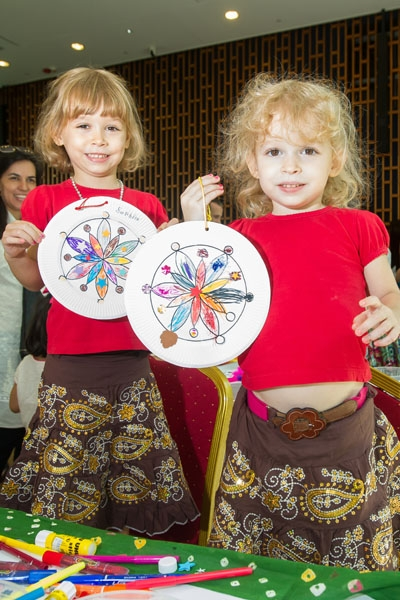 The children's rangoli patterned ornament plate created at the Arts and Crafts corner in The Hong Kong Jockey Club Hall