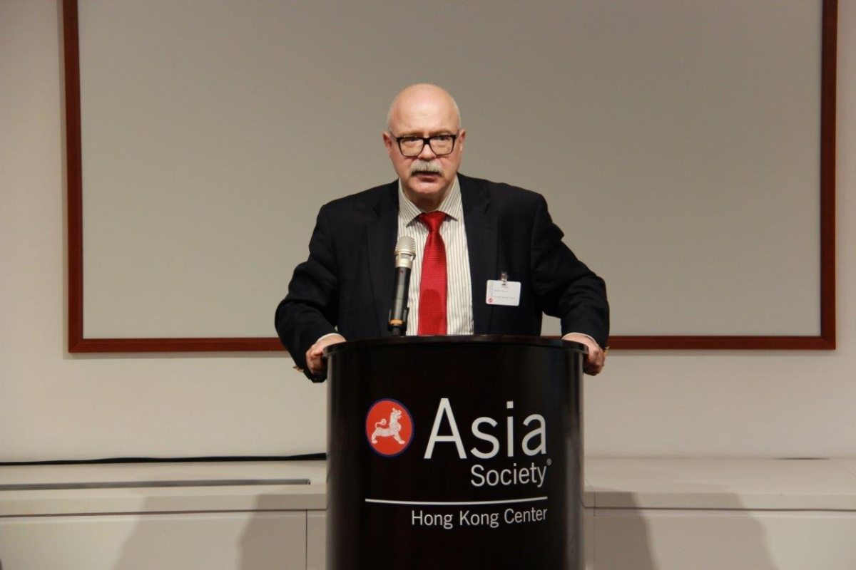 "Dmitri Trenin, Director of Carnegie Moscow Center, at ""The Ukraine Crisis and Its Implications for Russia's Policy in Asia"" presentation at Asia Society Hong Kong on June 12, 2014. (Asia Society Hong Kong Center)"
