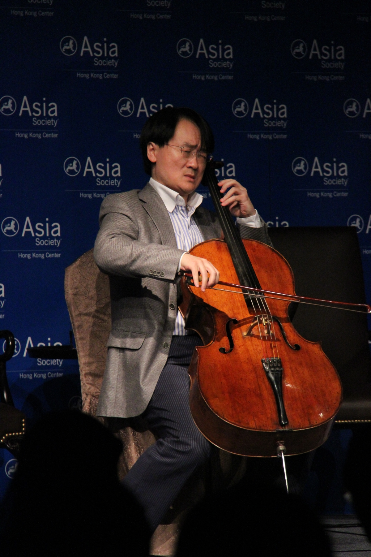 Wang performed four movements from one of Bach's beloved solo cello suites: Prelude, Courante, Sarabande and Gigue. (Asia Society Hong Kong Center)