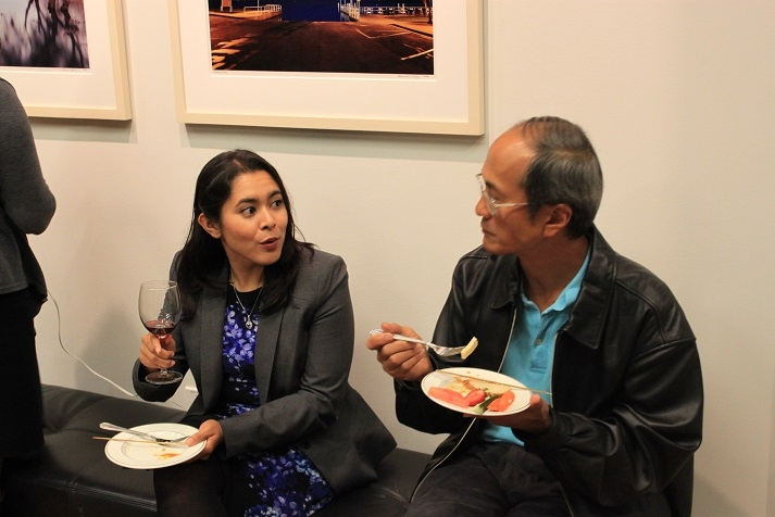Guests enjoy conversation, hors d'oeuvres and wine. (Asia Society)