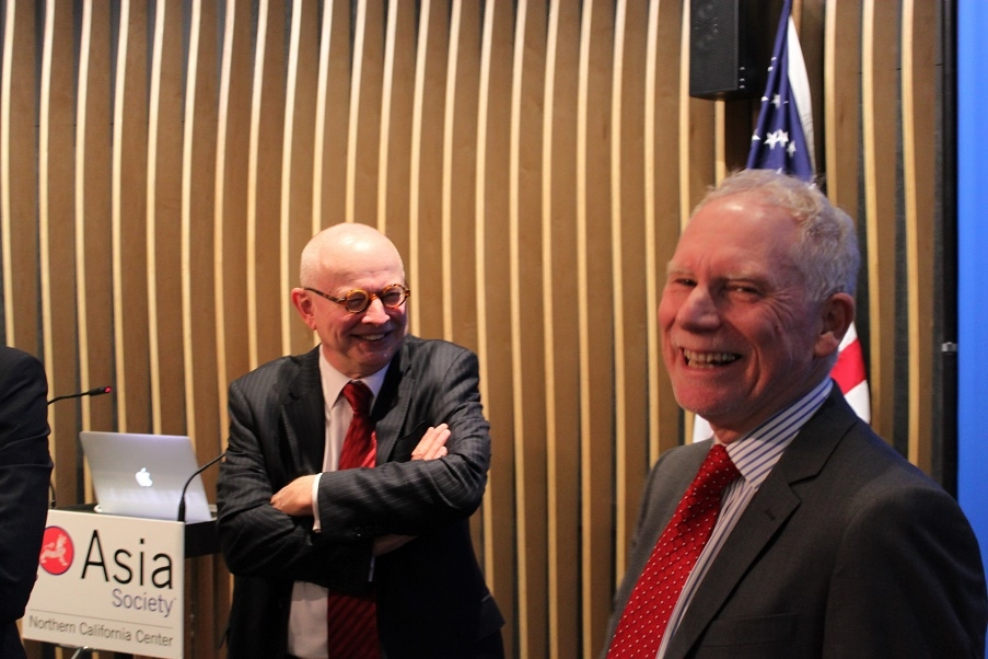 Ken Wilcox, Chairman Emeritus of Silicon Valley Bank, and N. Bruce Pickering of Asia Society, have a laugh prior to the event. (Asia Society)