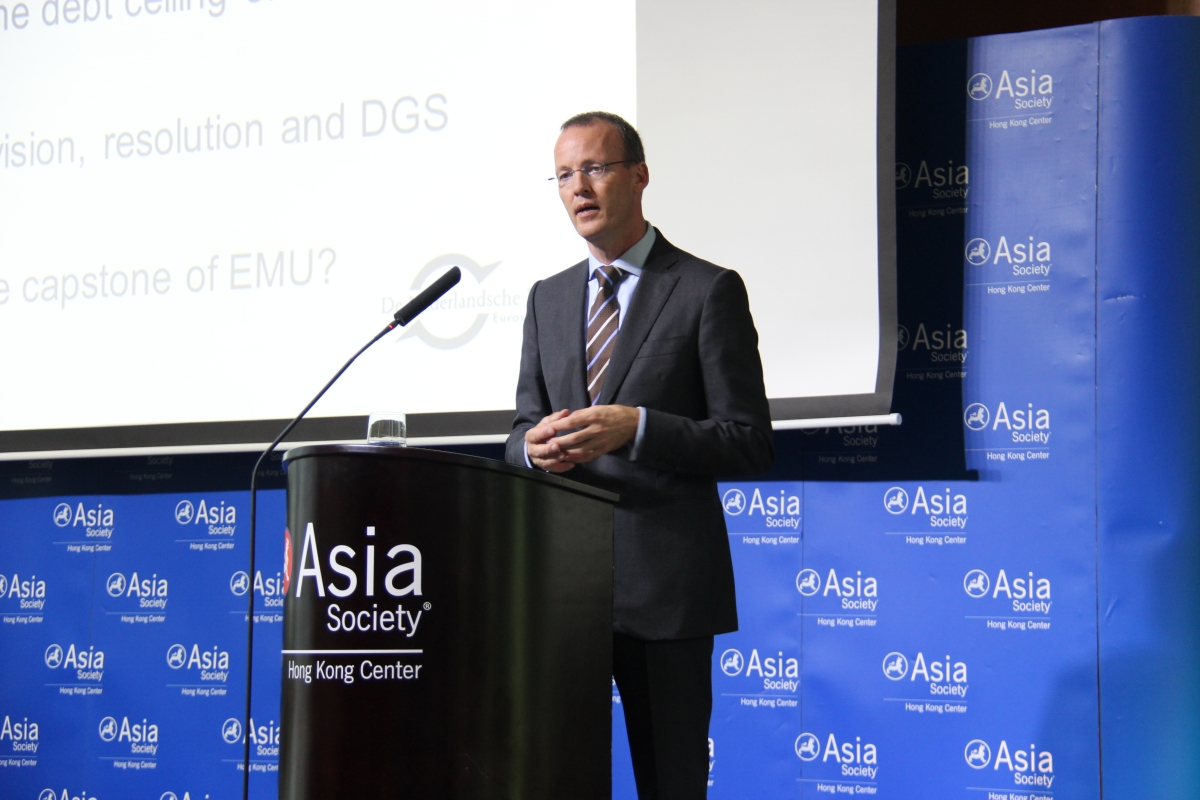 Klaas Knot discusses the Euro zone's role in the global economy on October 15, 2012. (Stephen Tong/Asia Society Hong Kong Center)