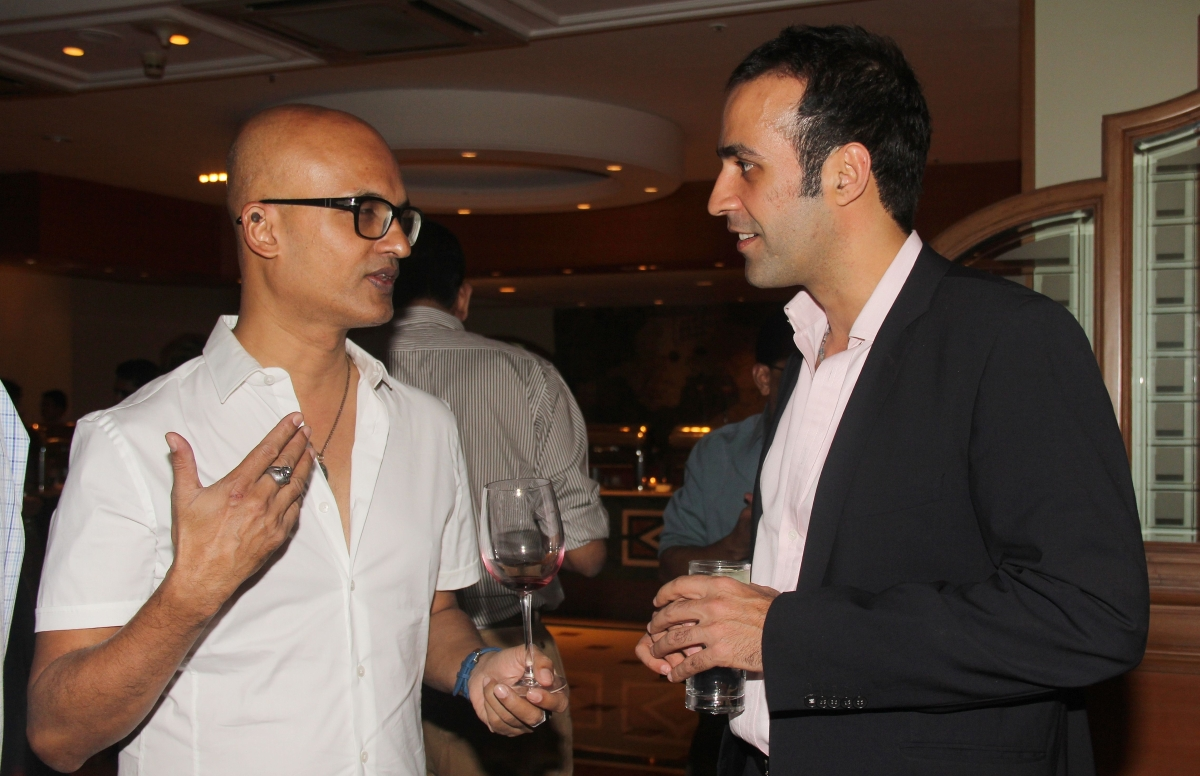 Jeet Thayil (L) and writer and journalist Aatish Taseer (R). (Asia Society India Centre)