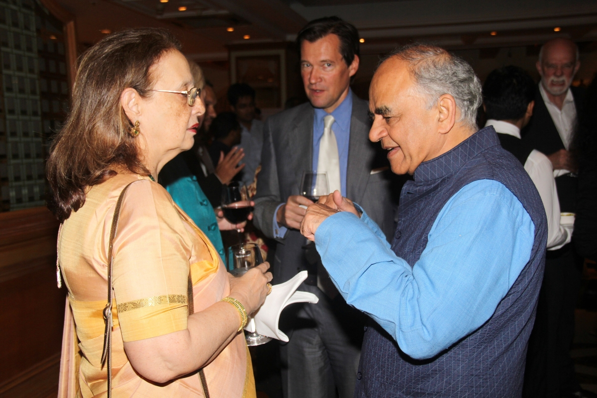 "Pheroza Godrej, art historian and environmentalist (L), and Gurcharan Das, author of ""The Difficulty of Being Good"" (R). (Asia Society India Centre)"