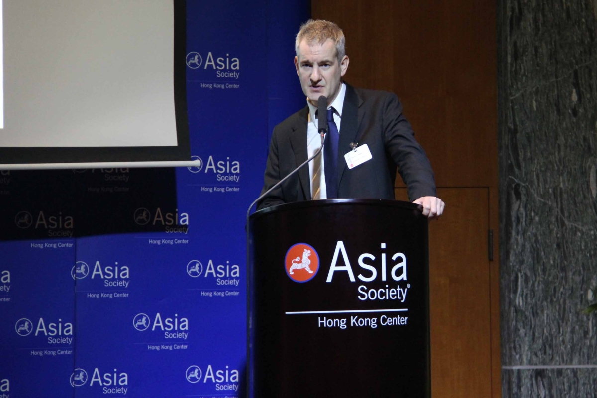 Daniel Freeman gave a presentation on gender differences in mental health at Asia Society Hong Kong Center on March 20, 2013. (Stephen Tong/Asia Society Hong Kong Center)