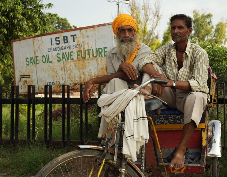 Save Oil, Save Future, Chandigarh, India (Nice Logo/Flickr)