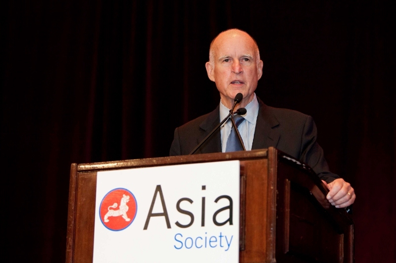 Governor Jerry Brown delivers address at ASNC's 2012 Annual Dinner. (Drew Altizer)