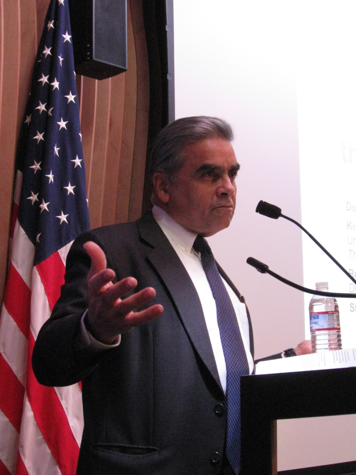 Kishore Mahbubani talks about his new book, The Great Convergence: Asia, the West, and the Logic of One World, at an ASNC event. (Asia Society)