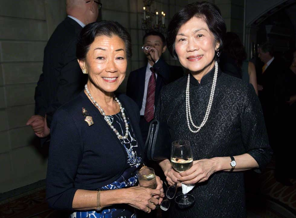 Asia Society Trustees Lulu Wang (L) and Chan Heng Chee, former Ambassador of Singapore to the United States. (Bennet Cobliner)