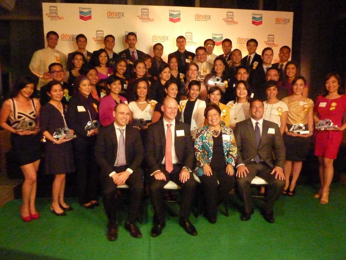 Awardees with Raj Kumar (President, Devex), Peter Morris (Country Manager, Chevron), Dinky Soliman (Secretary, DSWD), Pete Troilo (Director, Devex Manila)
