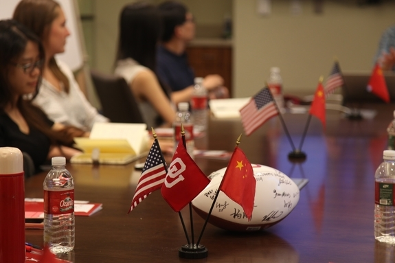 The Young Scholars discuss U.S.-China relations with Professor Peter Gries at the Oklahoma University Institute for U.S.-China Issues. (Jenny Xu)