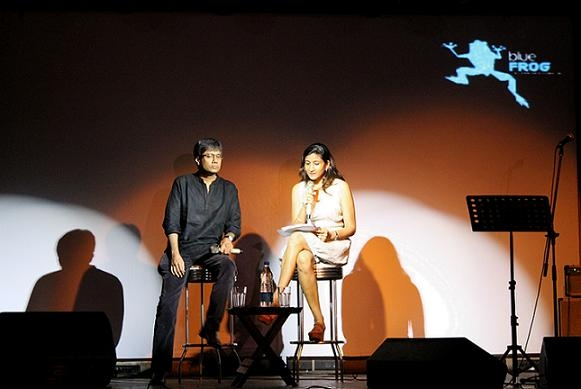 Amit Chaudhuri (L) and Namita Devidayal (R) in Mumbai on September 10, 2013. (Asia Society India Centre)