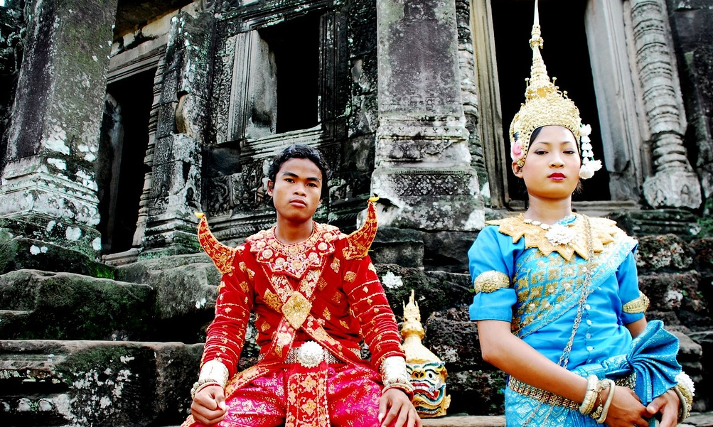 Reamker dancers in Cambodia. (lecercle/flickr)