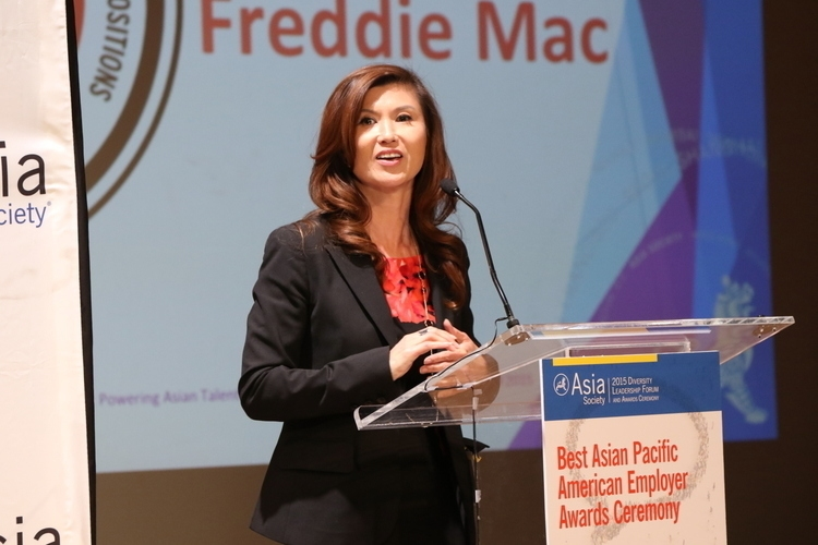 Barbara Pak speaks on behalf of Freddie Mac after receiving the award for Best Employer for Promoting APAs into Senior Leadership Positions. (Ellen Wallop/Asia Society)