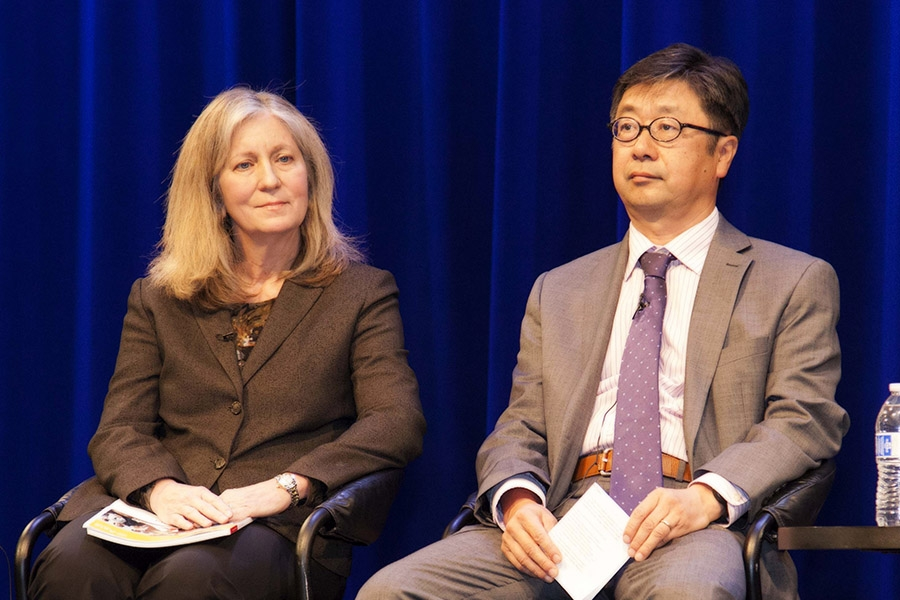 Lynn Price of Lawrence Berkeley National Laboratory and Jiang Lin of the Energy Foundation (Lisa Sze Photography)