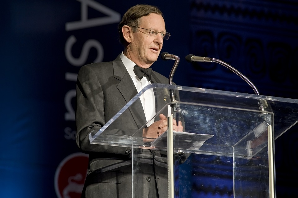 Hugh Morgan AC, Asia Society AustralAsia chairman, addresses the crowd. (Jeff Fantich Photography)