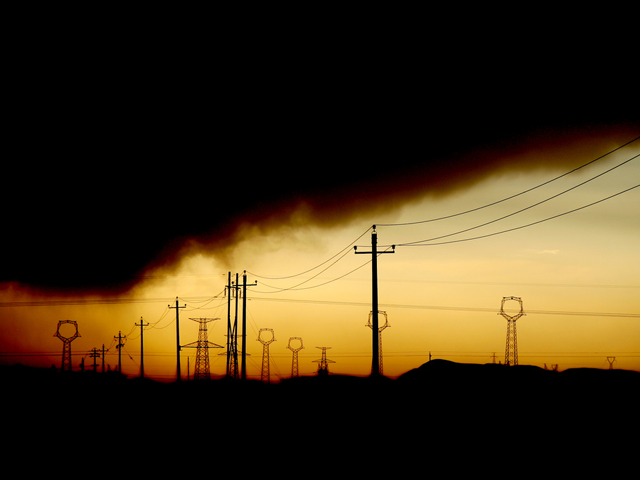 Pollution and power lines in northern China. (AdamCohn/Flickr)