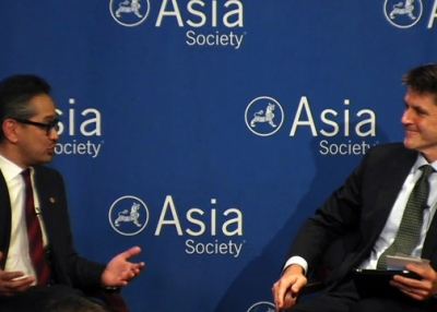 Indonesia Foreign Minister Dr. Marty Natalegawa (L) and Asia Society Executive Vice President Tom Nagorski at Asia Society New York on September 19, 2013.
