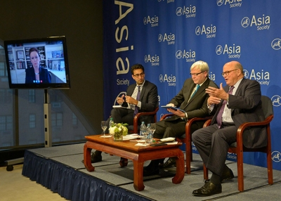 (L to R) Robin Wright (via videolink), Karim Sadjadpour, Kevin Rudd, and Frank G. Wisner discuss the Iran nuclear deal on July 22 at Asia Society New York. (Elsa M. Ruiz/Asia Society)